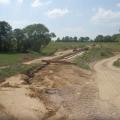 Einbau der Spundwände im Hochwasserschutzdamm Otzdorf